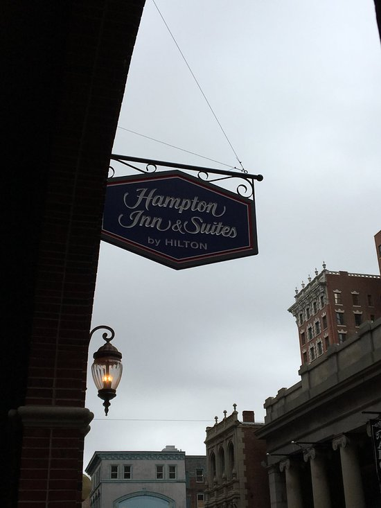 Sign at the entrance to Hampton